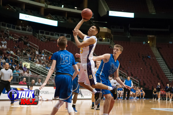 Blue Ridge Yellowjacket Darrien Burnette drives to the basket against Valley Christian during the 3A State Semifinals at the Gila River Arena. Blue Ridge defeated Valley Christian 59-55.